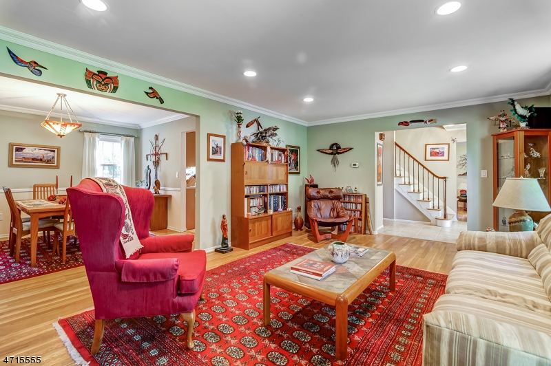 15 Yvette Drive East Hanover Twp., NJ 07936 - MLS #: 3389500