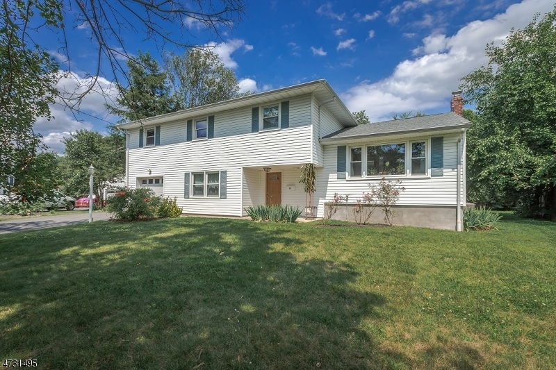 12 Happel Ct Scotch Plains Twp., NJ 07076 - MLS #: 3404208