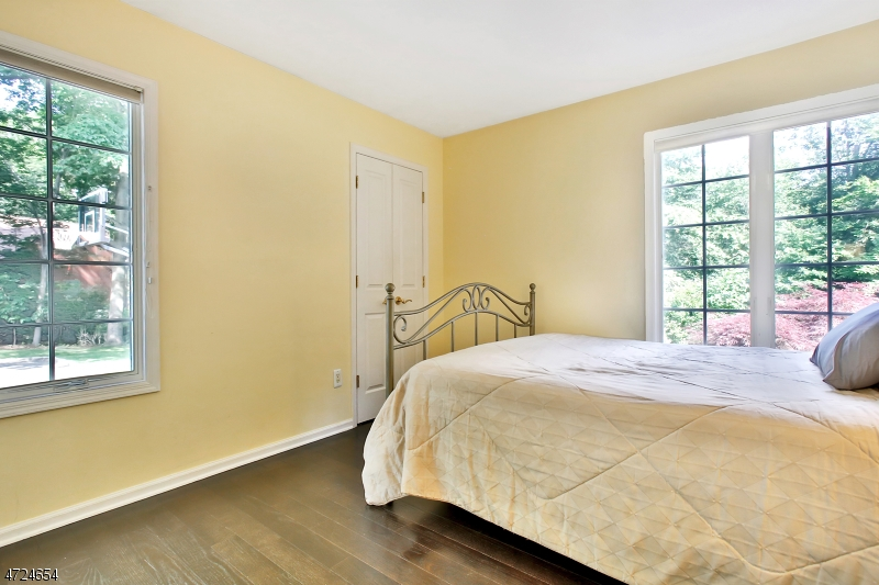 1 Cherokee Trl Montvale Boro, NJ 07645 - MLS #: 3397823