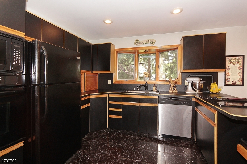 2353 Morse Ave Scotch Plains Twp., NJ 07076 - MLS #: 3404325