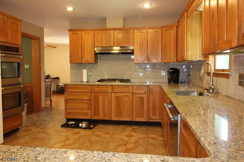 1 Hill Ct Pompton Lakes Boro, NJ 07442 - MLS #: 3389426