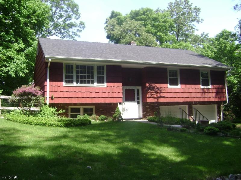 132 Hemlock Rd Pompton Lakes Boro, NJ 07442 - MLS #: 3389729