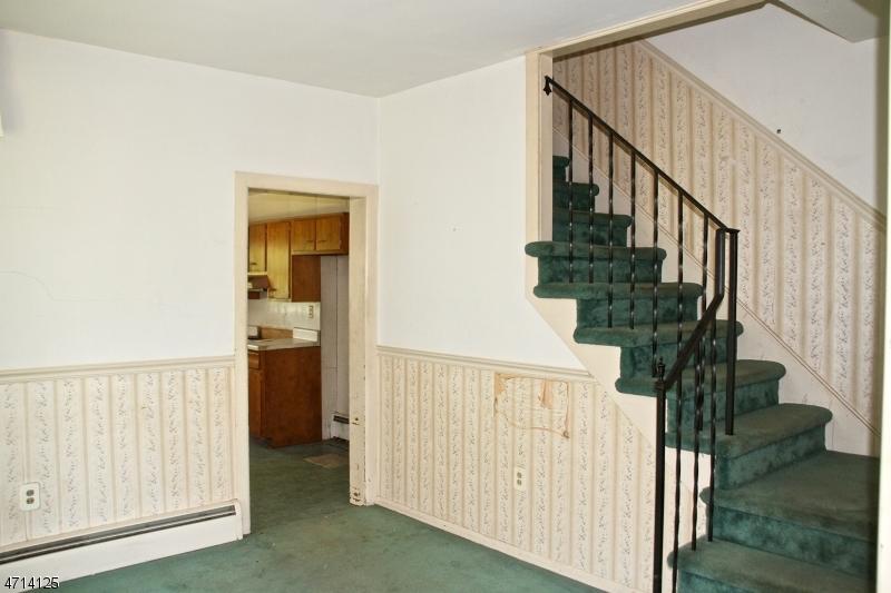 101 Brunswick Ave Bloomsbury Boro, NJ 08804 - MLS #: 3389735
