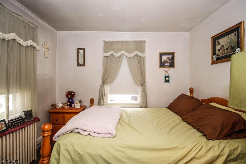557 Downer St Westfield Town, NJ 07090 - MLS #: 3389538