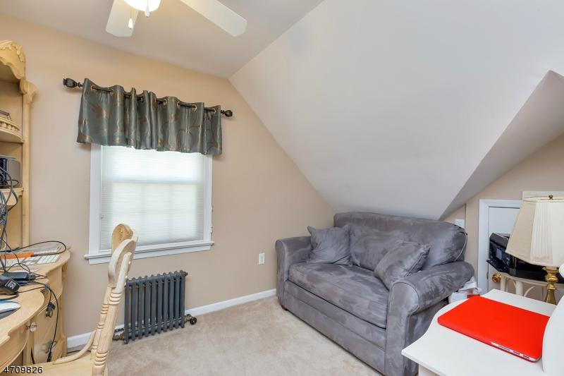 323 West Ln Clark Twp., NJ 07066 - MLS #: 3389439