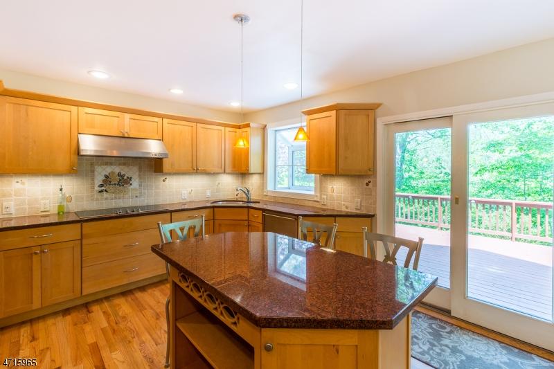 135 Riverwood Ave Bedminster Twp., NJ 07921 - MLS #: 3389749