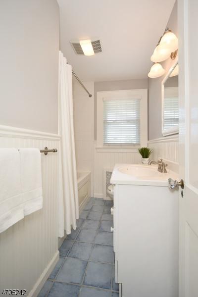 672 Boulevard Westfield Town, NJ 07090 - MLS #: 3404258