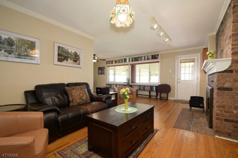 241 Lamberts Mill Rd Westfield Town, NJ 07090 - MLS #: 3389661