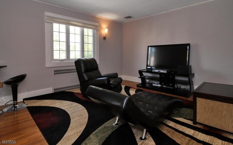 52 Llewellyn Rd Montclair Twp., NJ 07042 - MLS #: 3380067
