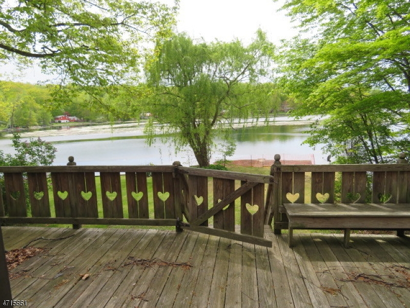 40 Lakeside Dr Vernon Twp., NJ 07461 - MLS #: 3389769