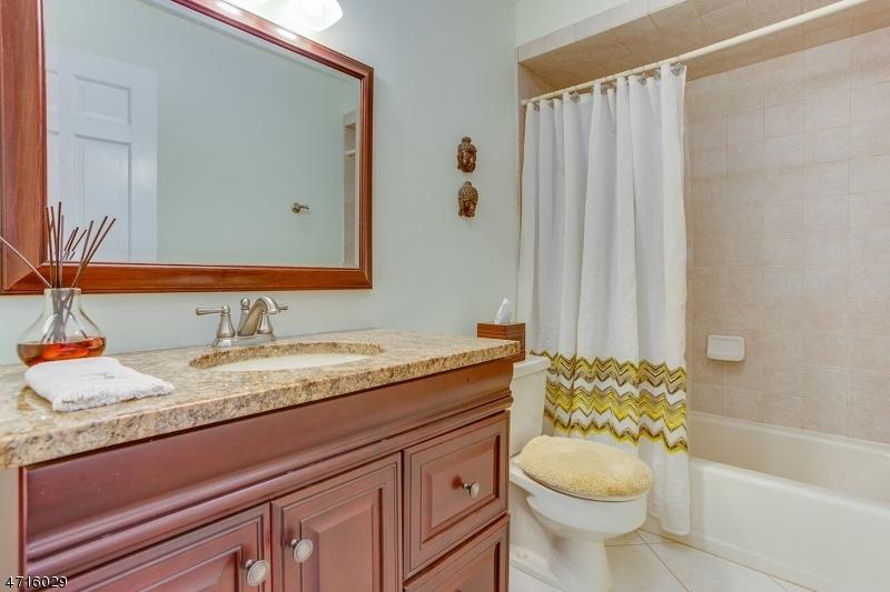 72 Hillcrest Rd Bridgewater Twp., NJ 08836 - MLS #: 3389776