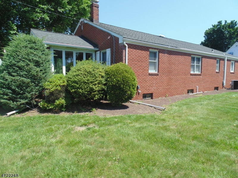 704 Huff Ave Manville Boro, NJ 08835 - MLS #: 3397676