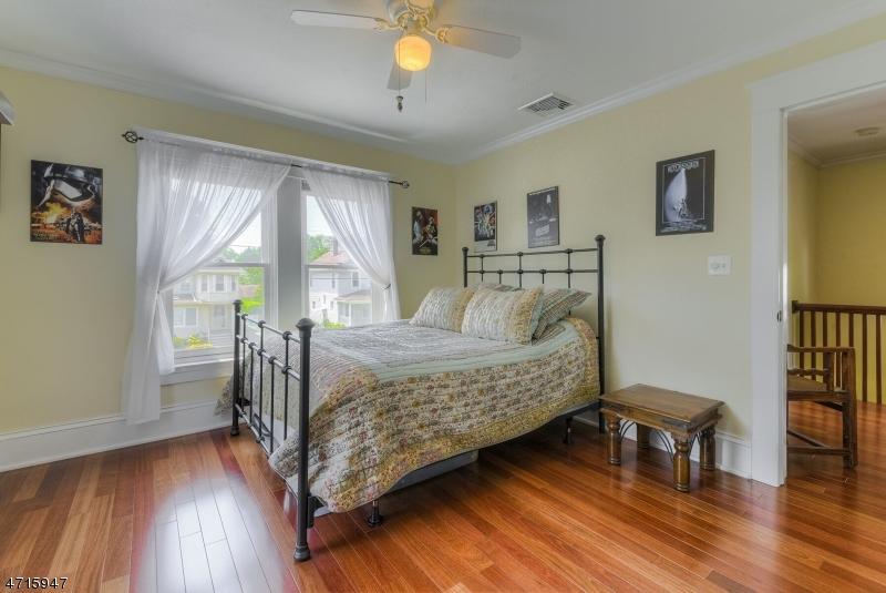 27 Franklin Pl Morris Plains Boro, NJ 07950 - MLS #: 3389678