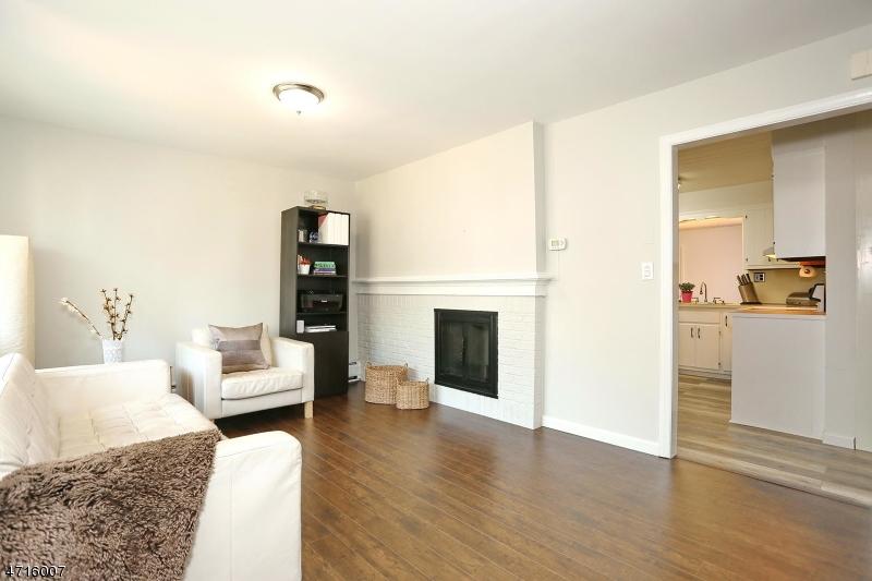 198 Brookfield Ave Paramus Boro, NJ 07652 - MLS #: 3389781