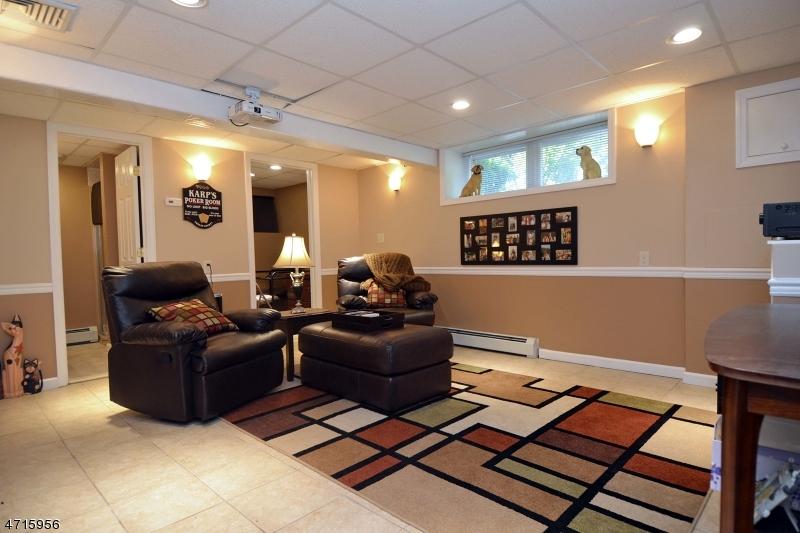 279 Ramapo St Pompton Lakes Boro, NJ 07442 - MLS #: 3389691