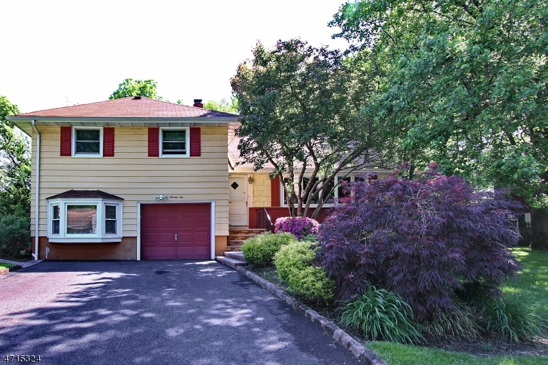 26 LENHOME DR Cranford Twp., NJ 07016 - MLS #: 3389494