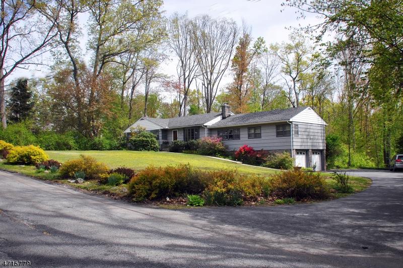 32 Greenwood Dr Jefferson Twp., NJ 07438 - MLS #: 3389598