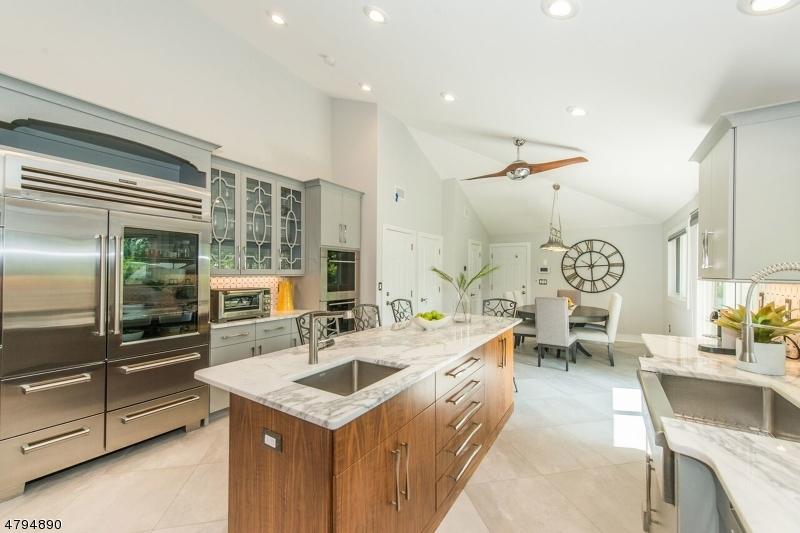 Clifton City                                                                      , NJ - $899,900