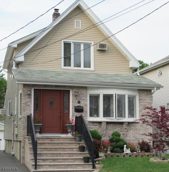 Lyndhurst Twp. City                                                                      , NJ - $449,900