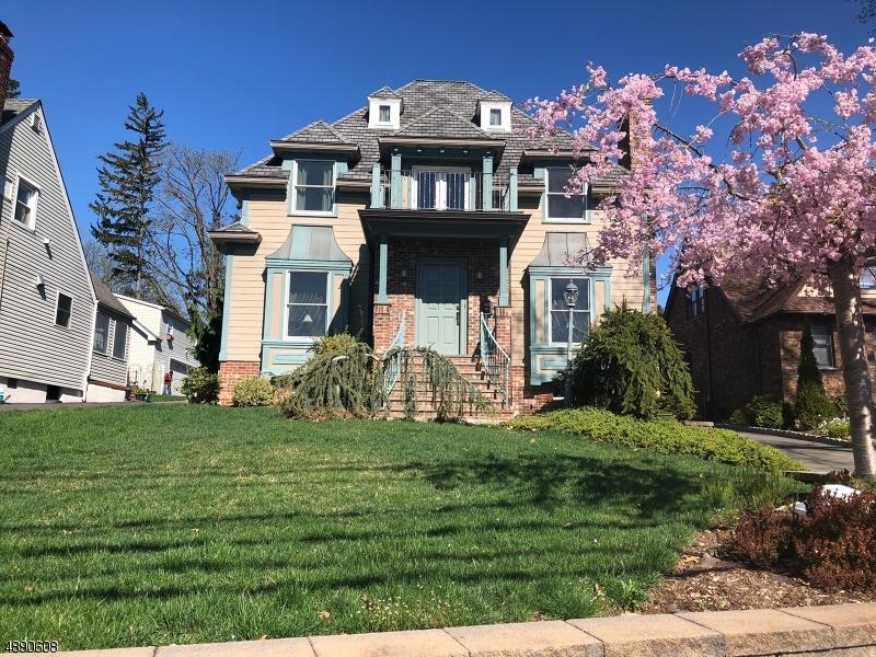 Clifton City                                                                      , NJ - $979,000