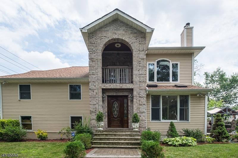 Clifton City                                                                      , NJ - $729,000
