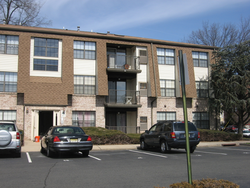 Elizabeth Co-op Condo Townhouse