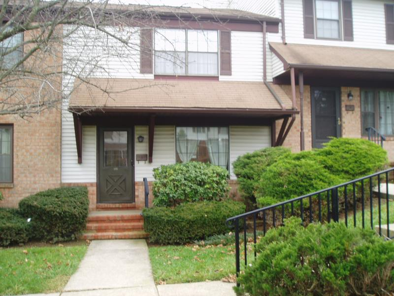 Mansfield Twp Co-op Condo Townhouse