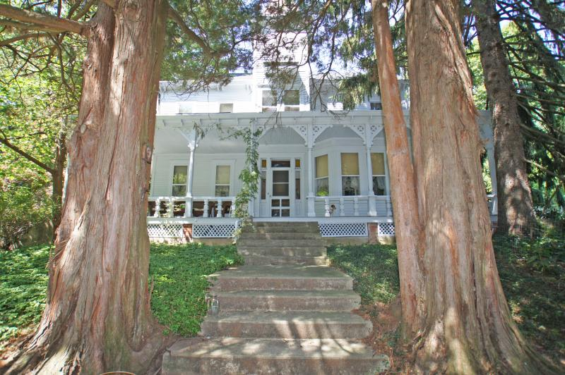Branchville Home