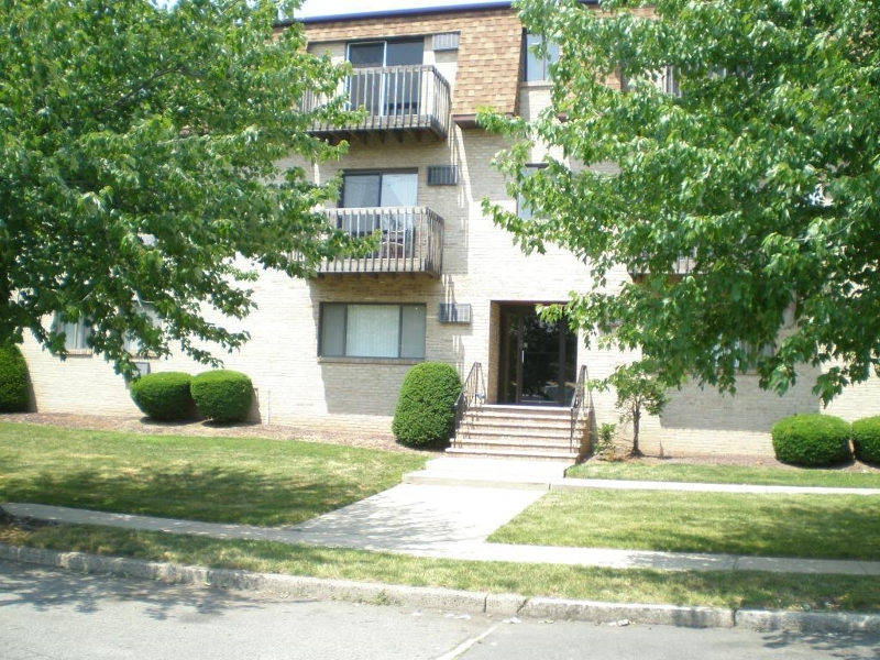 Belleville Co-op Condo Townhouse