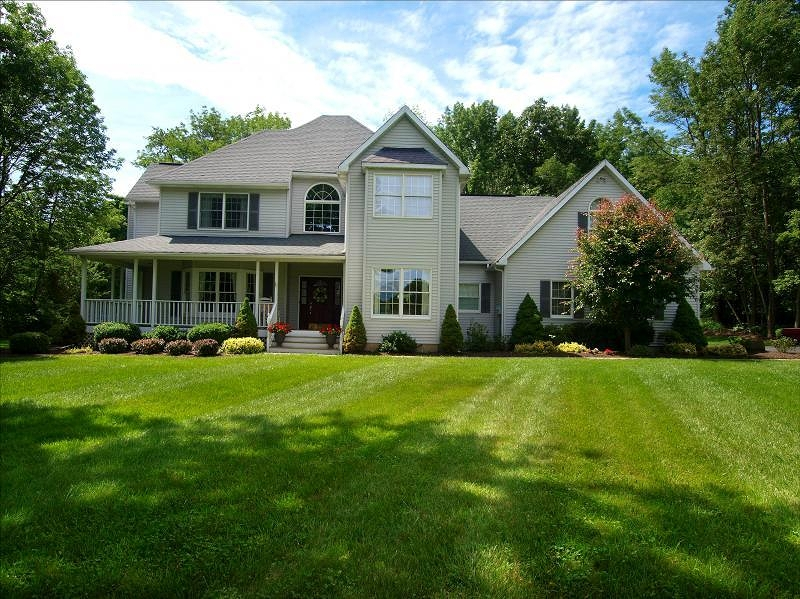 Maison unifamiliale pour l Vente à 9 Patriot Way Glenwood, New Jersey 07418 États-Unis