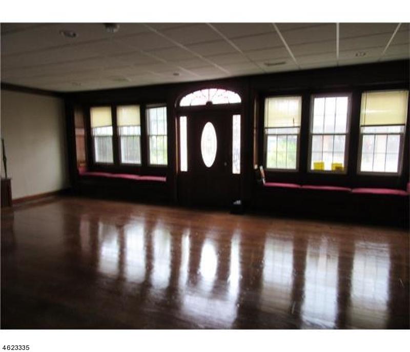Casa Unifamiliar por un Venta en 176 N Broadway South Amboy, Nueva Jersey 08879 Estados Unidos