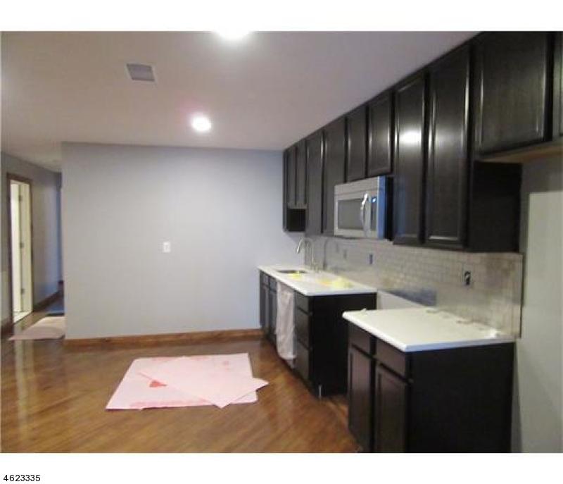 Additional photo for property listing at 176 N Broadway  South Amboy, Nueva Jersey 08879 Estados Unidos