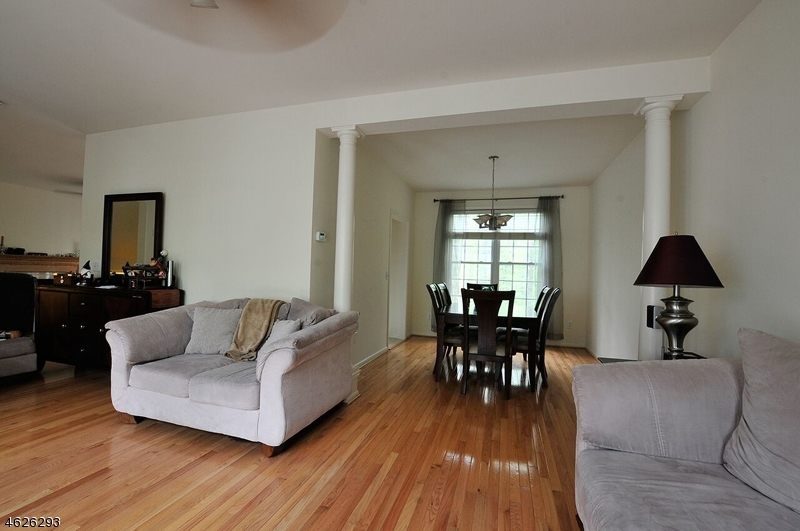 Additional photo for property listing at 146 Arrowgate Drive  Randolph, New Jersey 07869 États-Unis