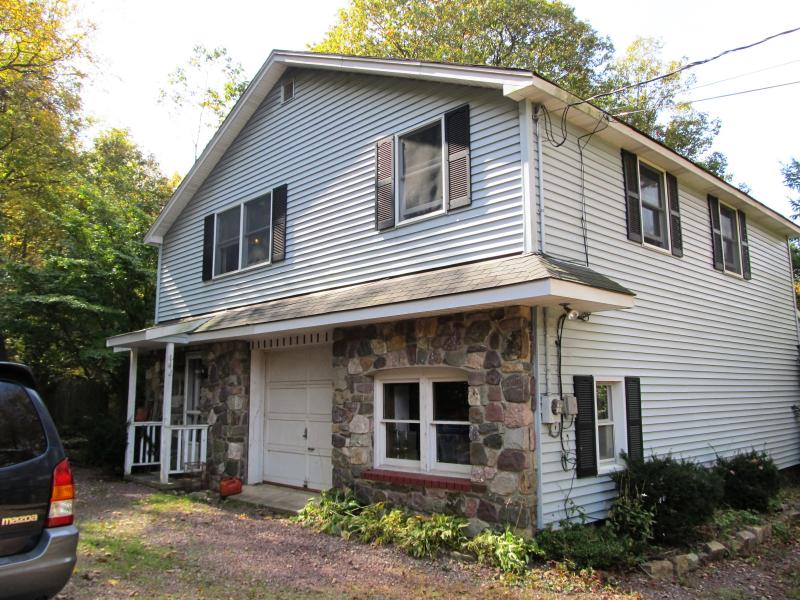 Additional photo for property listing at 142-144 Maple Road  West Milford, New Jersey 07480 United States