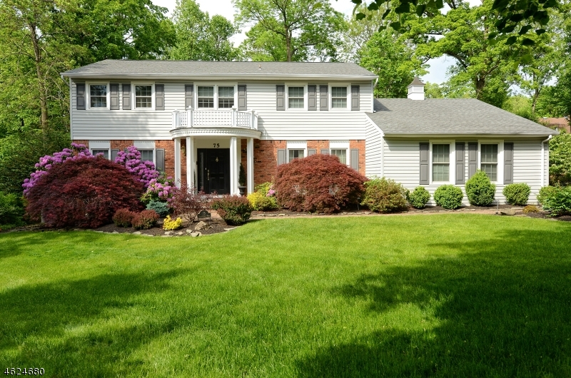 Single Family Home for Sale at 75 Runnymeade Road Berkeley Heights, 07922 United States