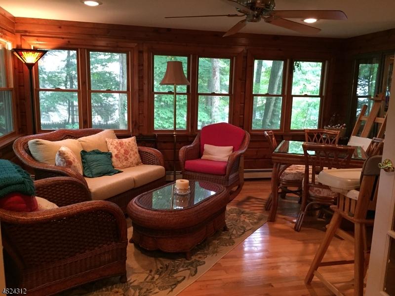 Additional photo for property listing at 92 Weldon Road  Lake Hopatcong, Нью-Джерси 07849 Соединенные Штаты