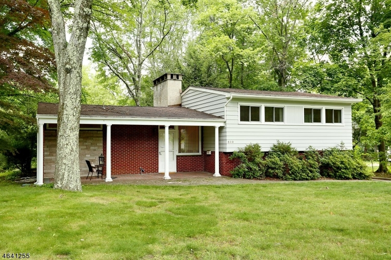 Casa Unifamiliar por un Venta en 510 Brookside Avenue Allendale, Nueva Jersey 07401 Estados Unidos