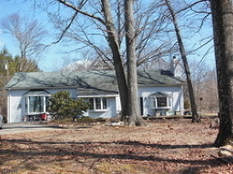 Additional photo for property listing at 3 Ann Lane  Randolph, New Jersey 07869 United States