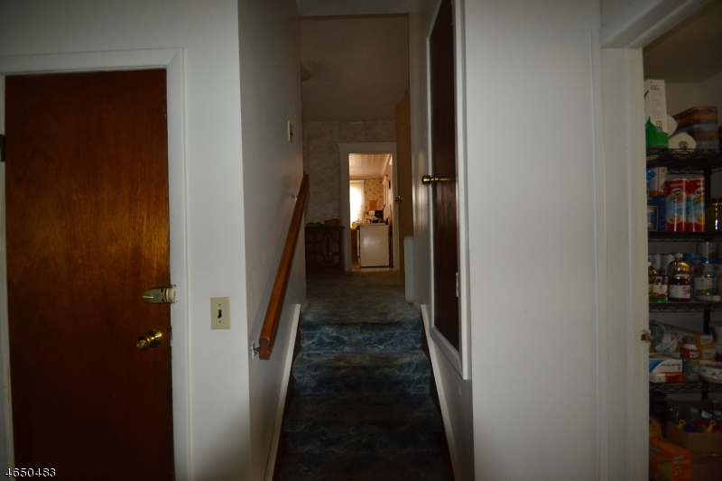 Additional photo for property listing at 16 E Clifton Avenue  Clifton, New Jersey 07011 États-Unis