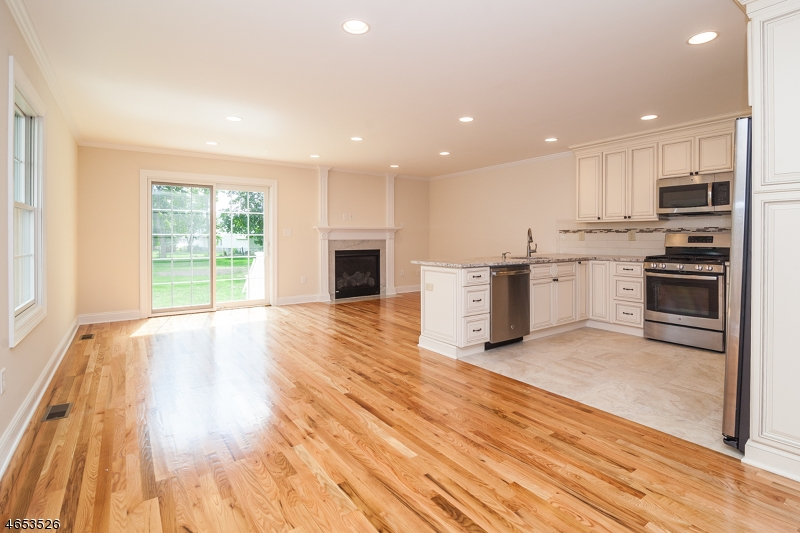 Additional photo for property listing at 36 W Hanover Ave, Unit A  Morris Plains, New Jersey 07950 United States