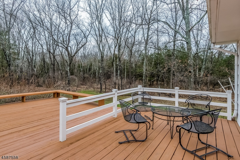 Additional photo for property listing at 40 Felmley Road  Oldwick, New Jersey 08858 États-Unis