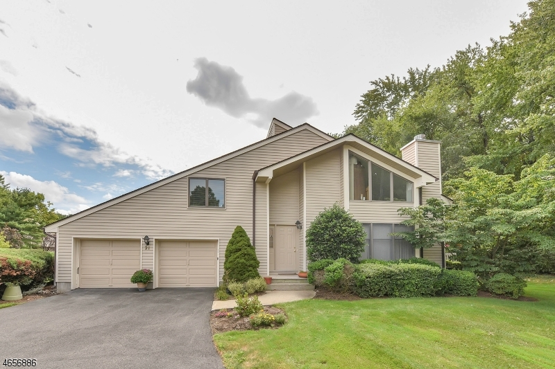 Additional photo for property listing at 21 Bentley Drive  Franklin Lakes, Нью-Джерси 07417 Соединенные Штаты