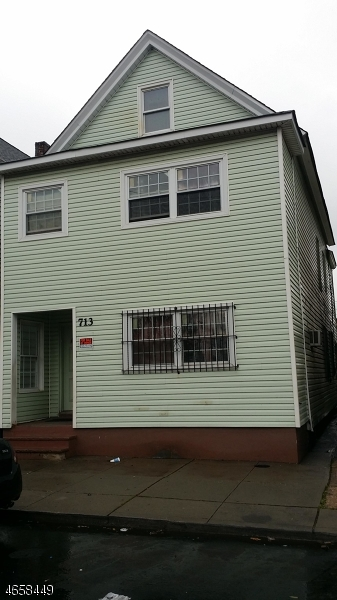 Additional photo for property listing at 713 McKinley Street  Elizabeth, Nueva Jersey 07202 Estados Unidos