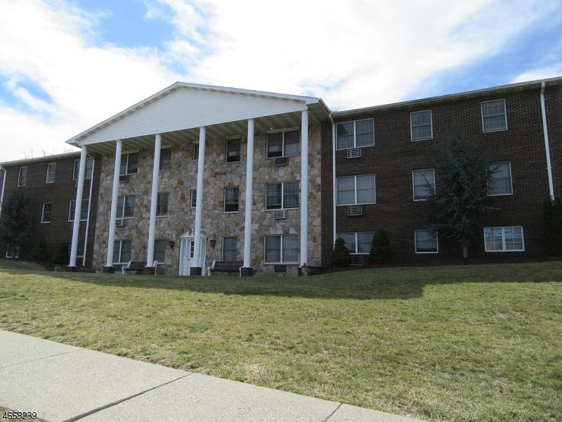 Частный односемейный дом для того Аренда на 37 E Main Street Rockaway, 07866 Соединенные Штаты