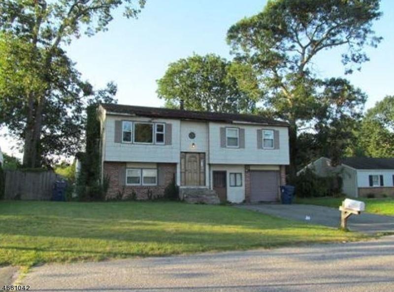 Частный односемейный дом для того Продажа на 145 Oakleaf Drive Tuckerton, 08087 Соединенные Штаты