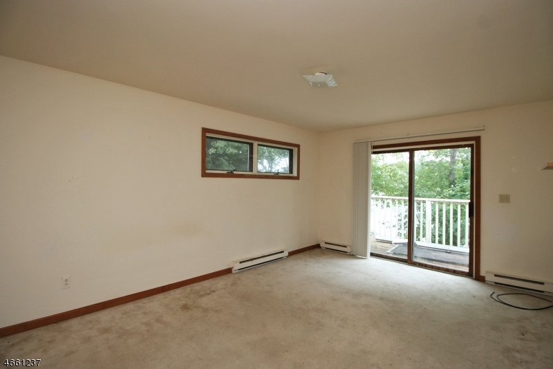 Additional photo for property listing at 8 Deer Trail Pt  Wharton, New Jersey 07885 États-Unis