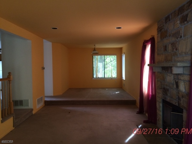 Additional photo for property listing at 99 Overlook Drive  Hackettstown, New Jersey 07840 États-Unis