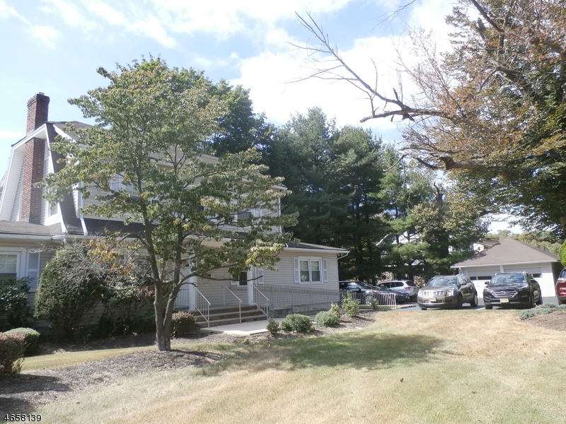 Additional photo for property listing at 2 Glenbrook Road  Morris Plains, Nueva Jersey 07950 Estados Unidos
