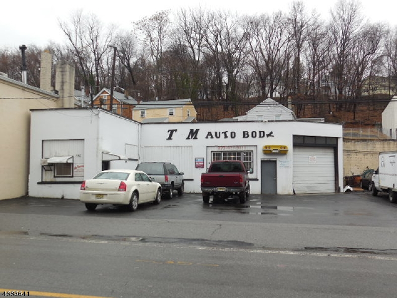 Commercial for Sale at 150-166 Goffle Road Hawthorne, New Jersey 07506 United States