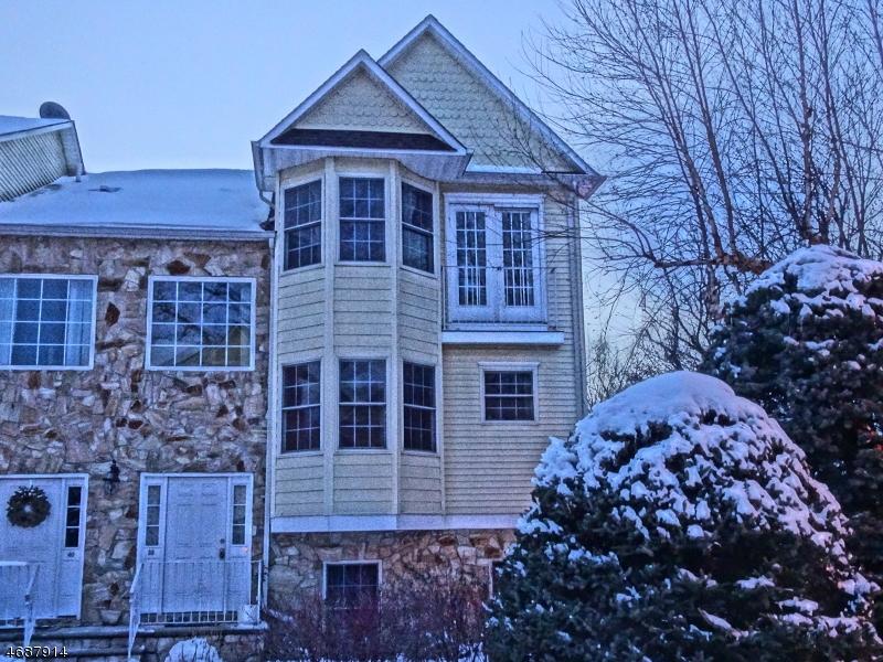 Частный односемейный дом для того Аренда на 38 BELLE-OAKS Lane Belleville, Нью-Джерси 07109 Соединенные Штаты